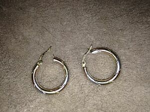 Beautiful tri-gold earrings