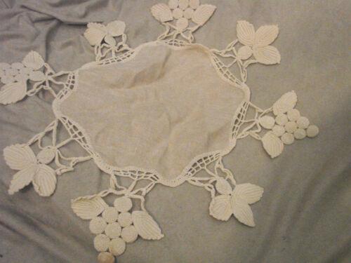 """Vintage LACE  Antique LINEN Doily Crochet GRAPES Leaves UNIQUE 18"""" Octagon"""