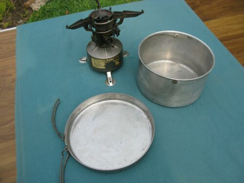 Military stove, WWII, U.S., M-1942-MOD, P - W, 1945, With U.S. 1951 Cooking Pot