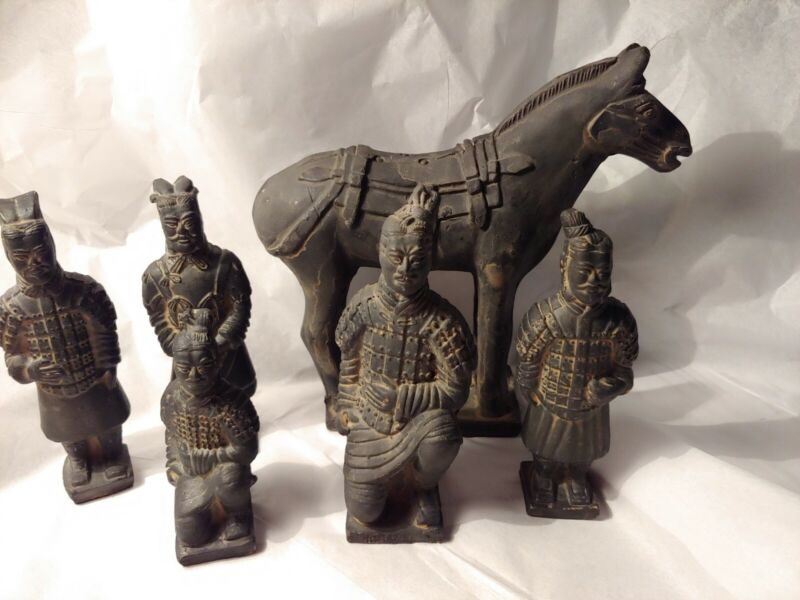 5 Chinese Emperors and 1 Horse Statues ...must 👀