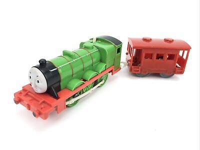 Thomas & Friends Trackmaster Motorized Train Engine Henry W/ Caboose car 2009