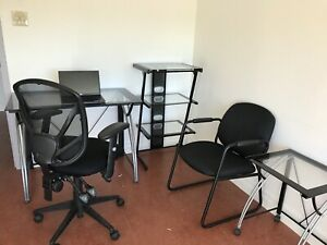Office furniture incl desk / table, side tables, chairs