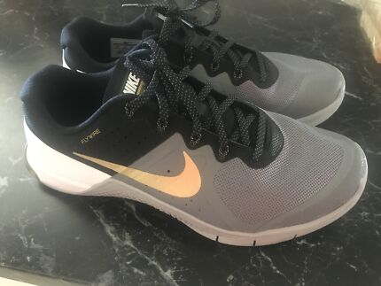 Nike metcon black, grey and white us 9.5 only worn once no box