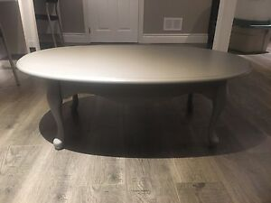 Coffee Table and Side Table- can deliver must go ASAP