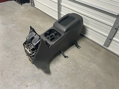 2003-2006 CHEVY AVALANCHE SILVERADO SIERRA CENTER CONSOLE GRAY