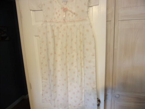 Night Flowers New York Size L Summer Lightweight Nightgown White Floral