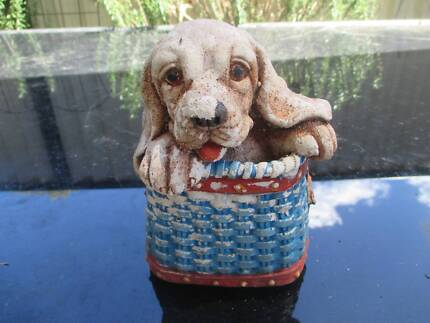 2 Little Concrete Dogs to decorate your Garden