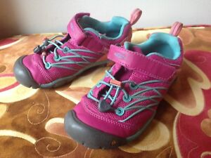 Keen girl shoes size 13