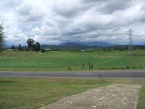 Largish, airy, Room for Rent in 3 bed house Innisfail Cassowary Coast Preview
