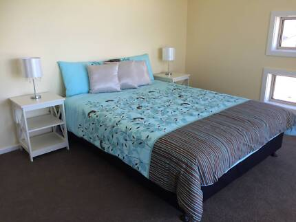 Large Bedroom with Ensuite and Balcony, Franklin