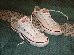 Converse Chuck Taylor All Star White Low Top Men Size US 6 Good Cond