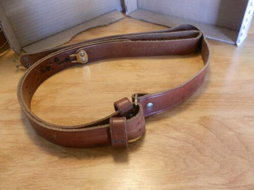 UNCLE MIKES LEATHER SLING WITH SLING SWIVELS VERY NICE.