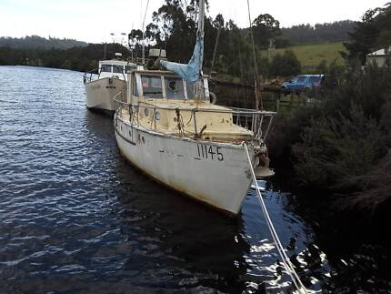 boat 30ft Classic Timber Motor/Sail offers over $7000