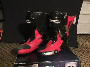 Pair of men's Teknic Chicane motorcycle boots