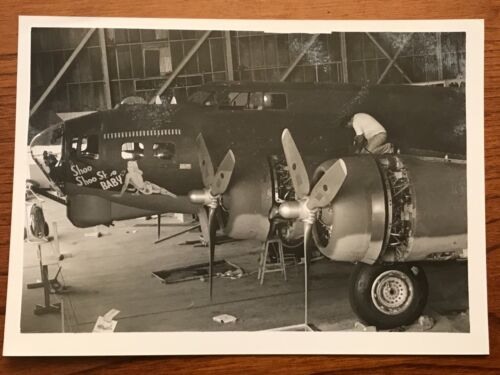 """Boeing B-17 Flying Fortress Shoo Shoo Baby 5"""" x 7"""" B & W Photo Dover AFB 1978-88"""