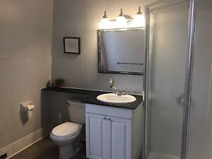 Avail Sept 1, 10 min walk to Queen's