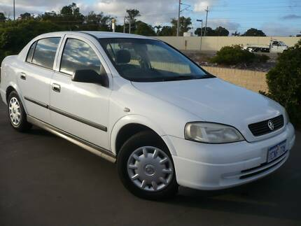 2004 holden astra classic auto sedan 3590 only 65 828 kms 2004 holden astra auto fandeluxe Gallery