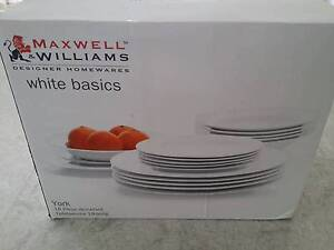 Maxwell Williams York 18 piece dinnerset Middleton Grange Liverpool Area Preview