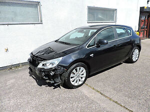 60 Vauxhall Astra 1.7CDTi Elite Damaged Salvage Repairable Cat D
