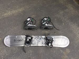 Lamar complete Snowboard and Lamar snowboarding boots
