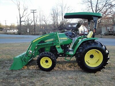 VERY NICE   JOHN DEERE 4105   4X4  LOADER TRACTOR ONLY 262 HOURS