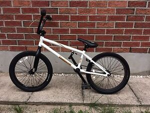 Free agent trailduster bmx