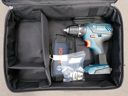 BOSCH GENUINE 18V PROFESSIONAL DRILL DRIVER  AND CARRY CASE.
