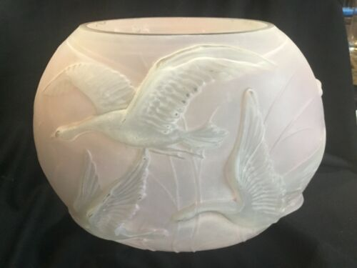 Large Antique Consolidated Phoenix Art Deco Geese Birds Glass Pillow Vase