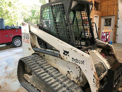 Bobcat T200 Track Skid Steer Loader With 78 Bucket