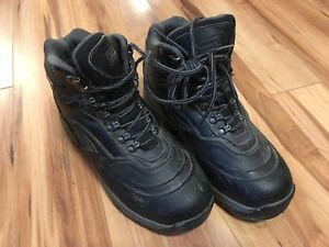 Hiking Boots (men's 9)