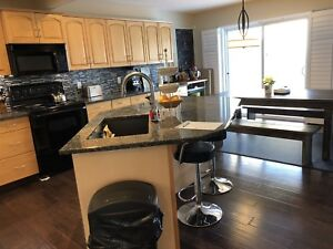 Executive Home in St. Albert!