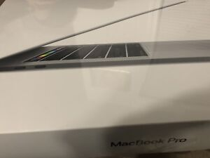 "2018  MacBook Pro/ touch bar 13"" i7 2.7GHz 16gb Ram 1TB"