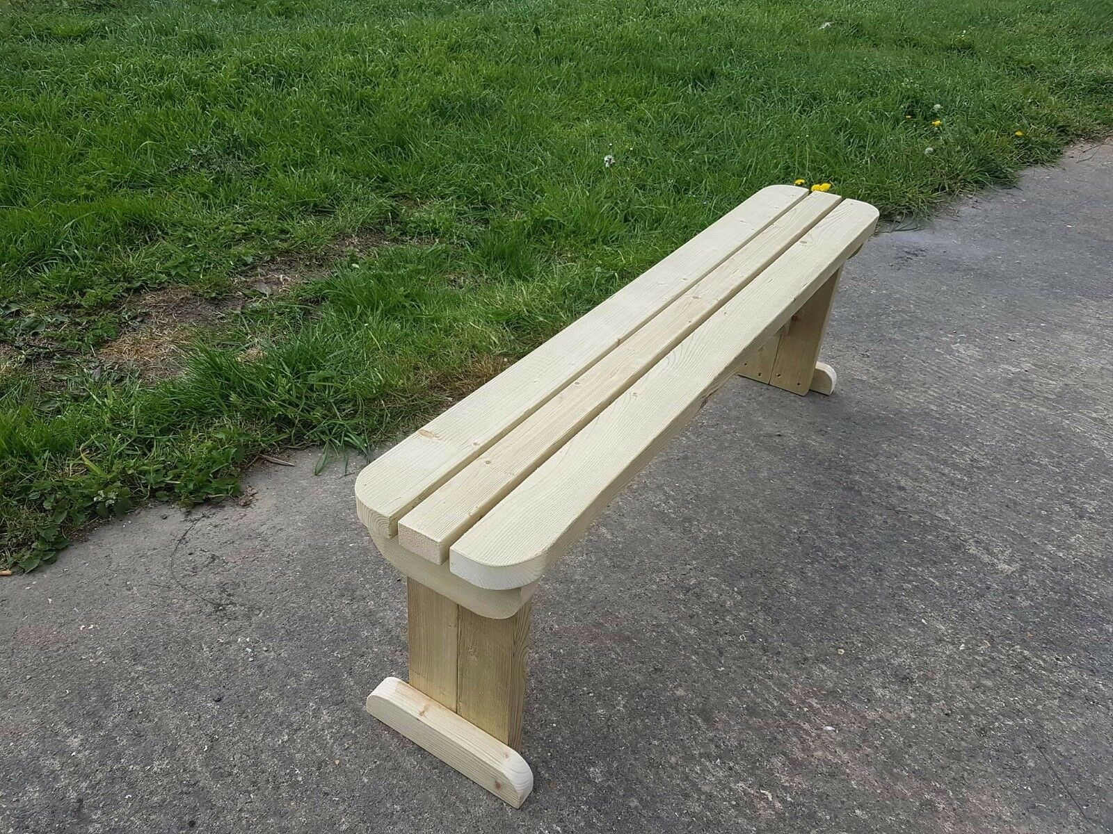 Hollies Rounded Garden Bench 4ft To 8ft
