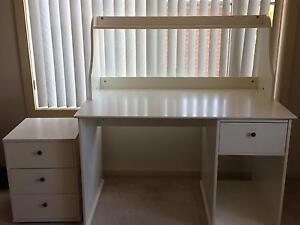 Ikea desk Kanahooka Wollongong Area Preview