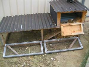 RABBIT HUTCH   large   185 cm wide  by 80cm tall   80cm debt Para Hills Salisbury Area Preview