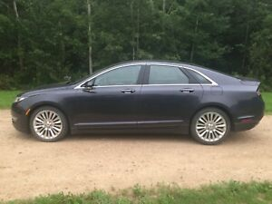 2013 Lincoln MKZ very low km!