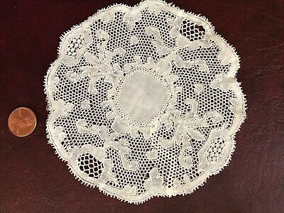 Vintage handmade Belgian Flanders bobbin lace doily