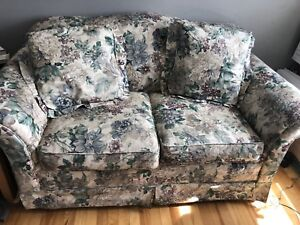 Love seat with matching accent pillows