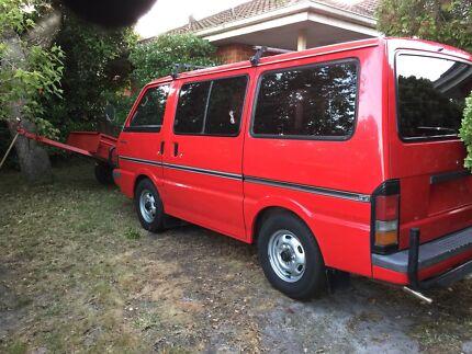 1995 Red Ford Econovan XL 1.8l Dual Fuel