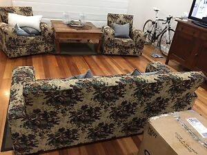 Floral Tapestry Fabric couch and 2x matching armchairs Nunawading Whitehorse Area Preview