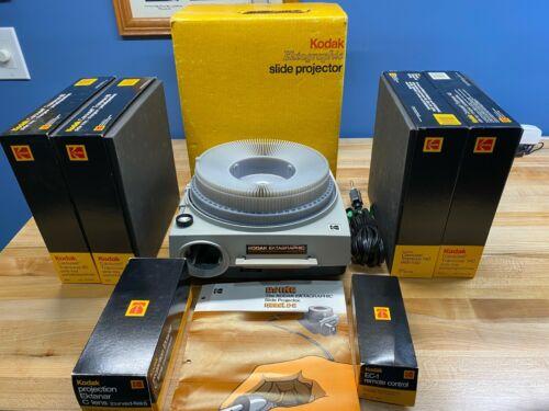 Kodak Ektagraphic Slide Projector Model E-2 w/C lens & EC-1 Remote & 5 carousels