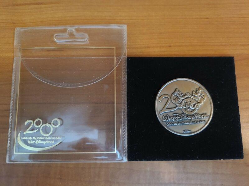 2000 WALT DISNEY WORLD Celebrate the Future Hand in Hand - Coin Token Medallion