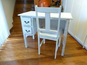 VINTAGE RUSTIC MID CENTURY SHABBY CHIC DESK AND CHAIR Old Toongabbie Parramatta Area Preview