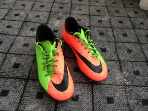 Nike soccer soulier a crampon 10.5 / soccer cleats.
