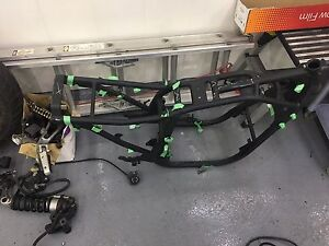 Gs750 frame and parts