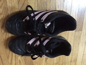 Girls adidas soccer shoes size 1