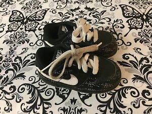 Cute Nike shoes size 5.5C