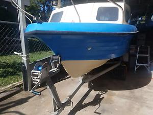 15.3ft Half Cabin boat Hillcrest Logan Area Preview