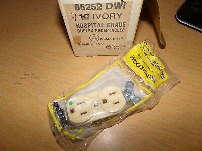 New Woodhead 85252 Dwi Ivory Duplex Receptacles Box Of 9