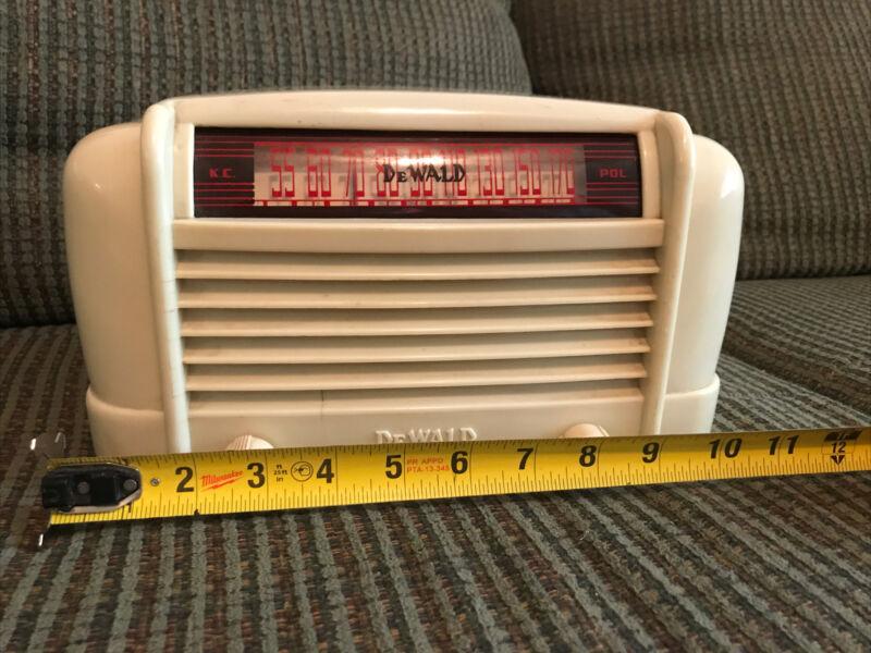 DeWald Antique Tube Radio